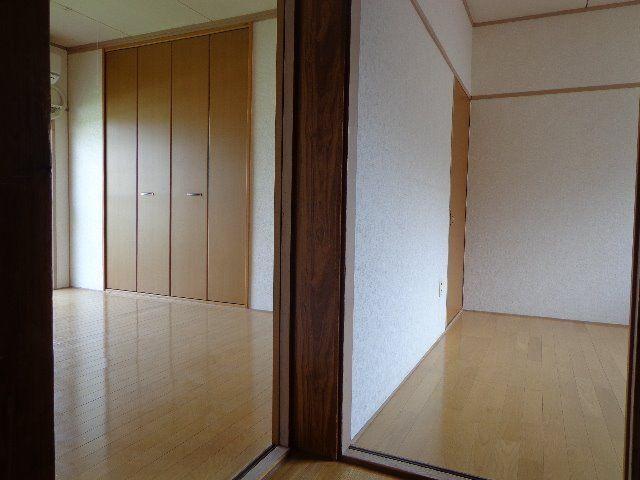 洋室2室共にフローリング