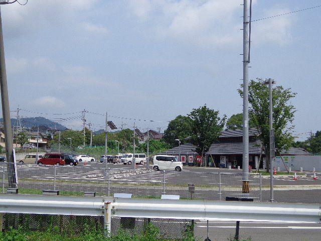 徳山動物園北園駐車場が見えます