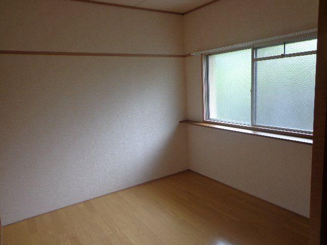 北西側の洋室