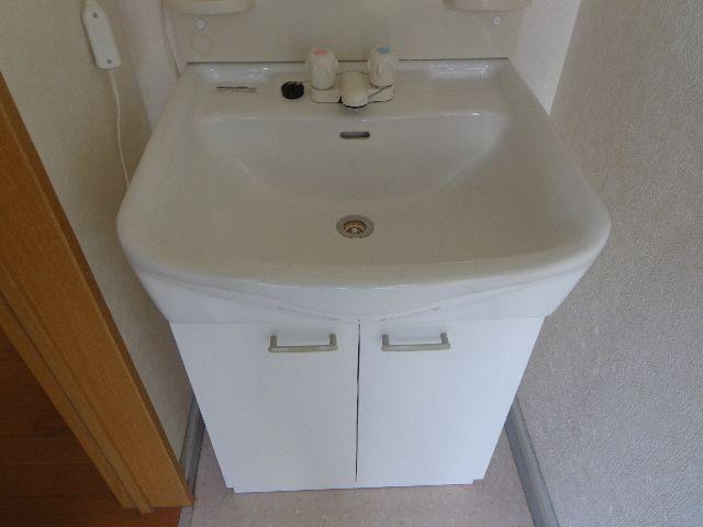 身だしなみに便利な洗面化粧台。