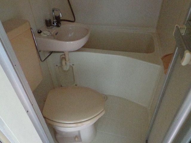 トイレとお風呂が一緒になっています