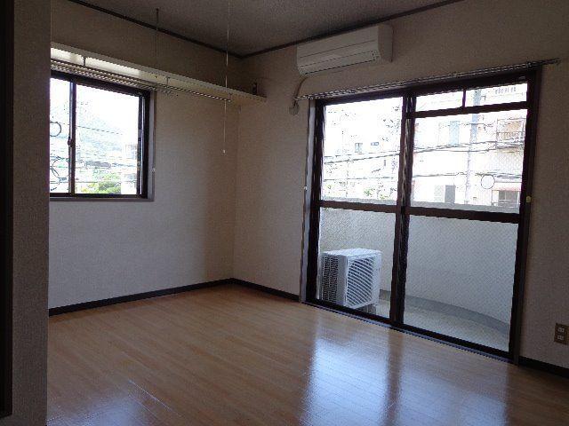 明るく開放感のあるお部屋です