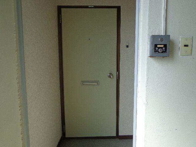階段をあがり3階の部屋に到着